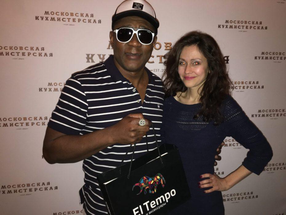 Бренд El tempo предоставила подарки на дне рождения Виктории Пьер-Мари 20
