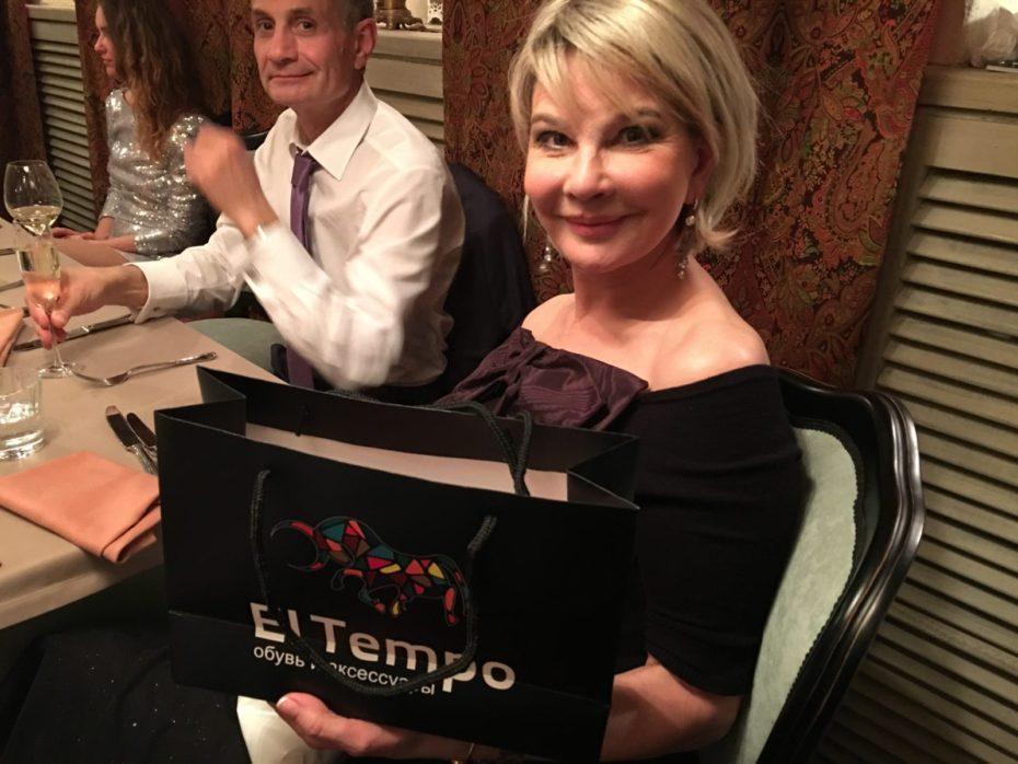 Бренд El tempo предоставила подарки на дне рождения Виктории Пьер-Мари 16