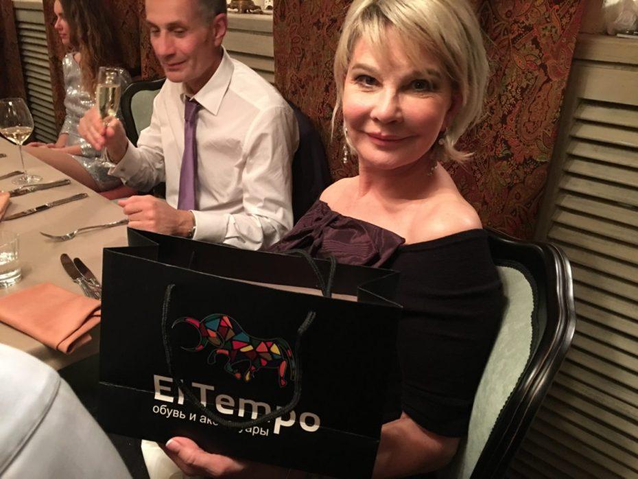 Бренд El tempo предоставила подарки на дне рождения Виктории Пьер-Мари 18