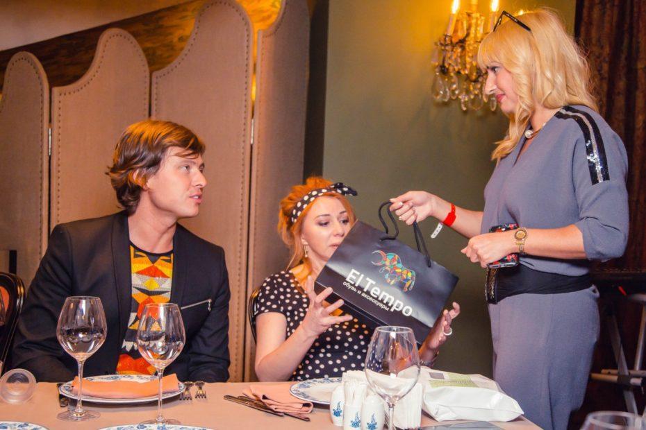 Бренд El tempo предоставила подарки на дне рождения Виктории Пьер-Мари 15