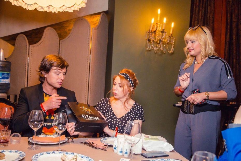 Бренд El tempo предоставила подарки на дне рождения Виктории Пьер-Мари 3